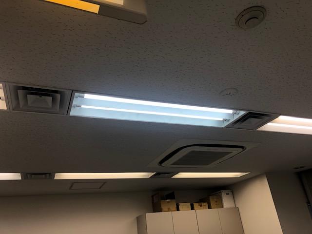 名古屋市中区のオフィスビルにて非常用照明器具の取替電気工事